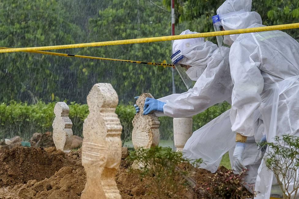 Malasia notifica su día más mortífero de la pandemia