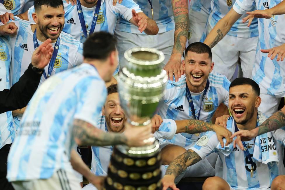 Después de 28 años y 7 finales perdidas, Argentina vuelve a ganar
