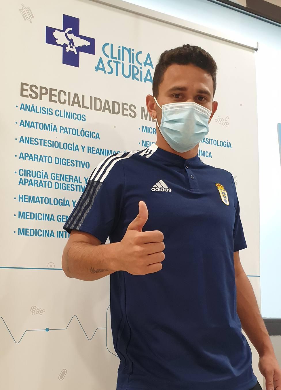 Matheus Aias pasa reconocimiento médico con el Real Oviedo