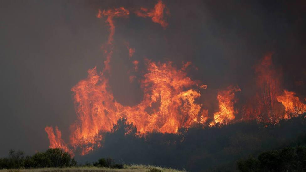 El gran incendio de California ya se ha convertido en el undécimo mayor de su historia