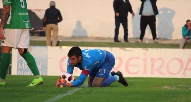 Germán Parreño paró un penalti a Abel Gómez