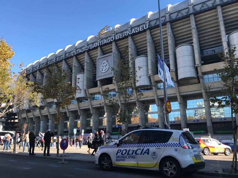 Policía Nacional y Municipal ya trabajan a los pies del Bernabéu para garantizar la seguridad en la Libertadores