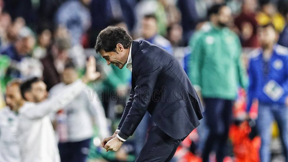 Marcelino celebra el triunfo ante el Real Betis