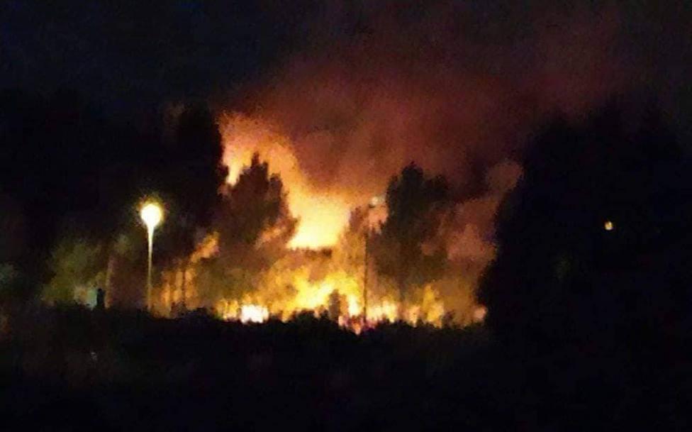 Las llamas afectaron a una zona de monte raso y arbolado - FOTO: Tráfico Ferrolterra