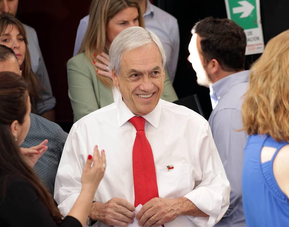 Piñera anuncia un bono de alivio para 1,3 millones de familias chilenas