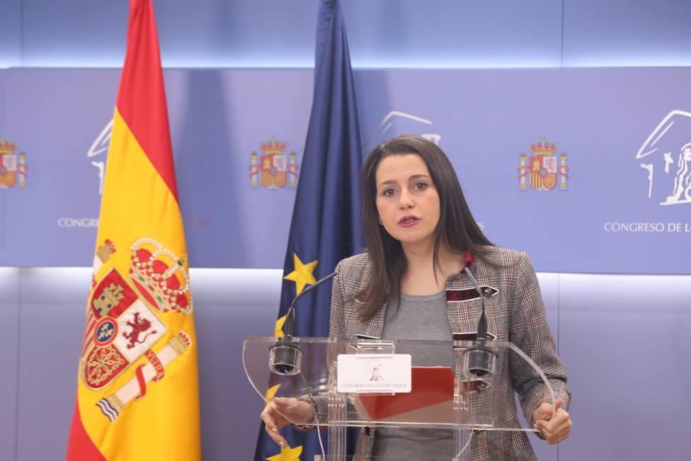 Arrimadas lamenta que el CGPJ tenga que defenderse ante las injerencias del Gobierno