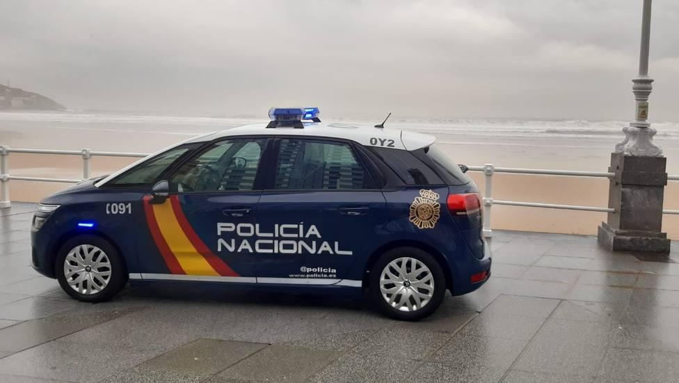Detenido en Gijón por simular que le habían robado en la playa