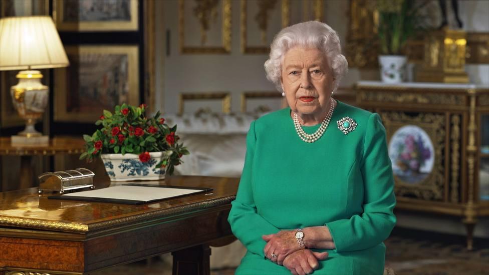 La reina Isabel II apela a la autodisciplina británica para superar la crisis del coronavirus