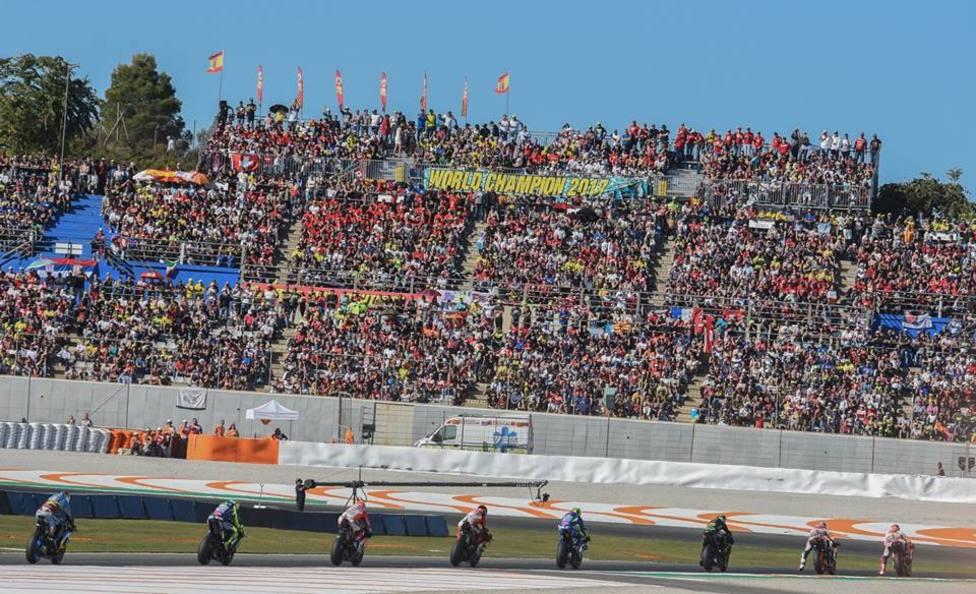 El Circuito Ricardo Tormo de Cheste, con las gradas repletas de aficionados