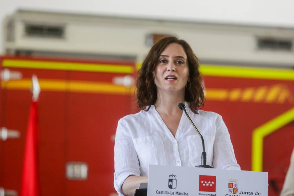Ayuso rechaza el confinamiento total de Madrid pese a la amenaza del Gobierno de gestionar la sanidad regional