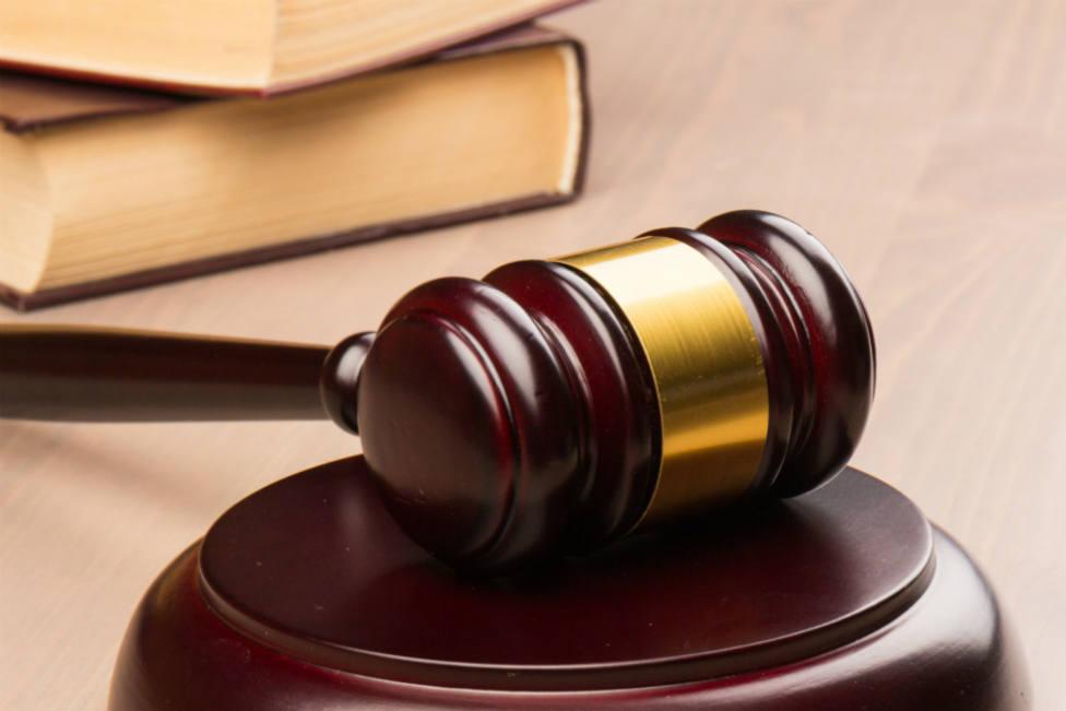 Prisión permanente revisable para una pareja acusada de matar al hijo de ella