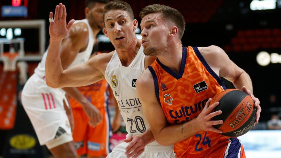 Joventut aplasta a Estudiantes; El Real Madrid se impone a un buen Valencia