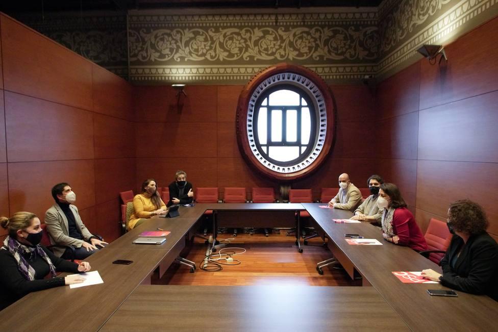 El PSC y los Comunes se reúnen para hablar del Govern y de cómo aislar a Vox en el Parlament