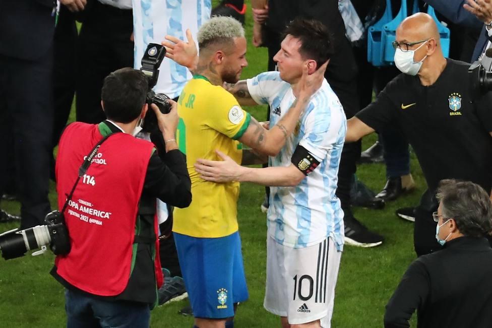 Neymar: Ayer cuando perdí, fui a darle un abrazo al mejor de la historia