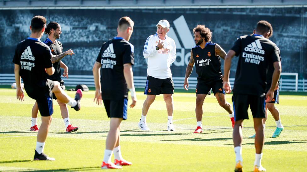 El Real Madrid en la sesión de entrenamiento.