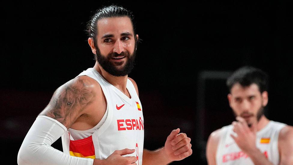 Ricky Rubio sonríe durante el partido entre España y Argentina en la fase de grupos de los Juegos Olímpicos