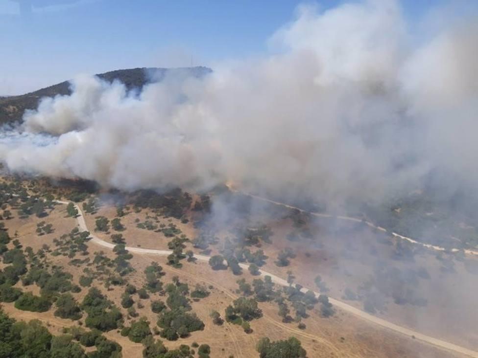 Cádiz.-Incendios.-AMP.- Declarado un incendio en Alcalá de los Gazules que moviliza a 50 efectivos y cuatro helicópteros