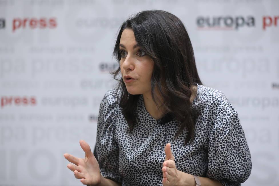 Arrimadas cree que Sánchez estaba al tanto de la infamia del rescate a Plus Ultra