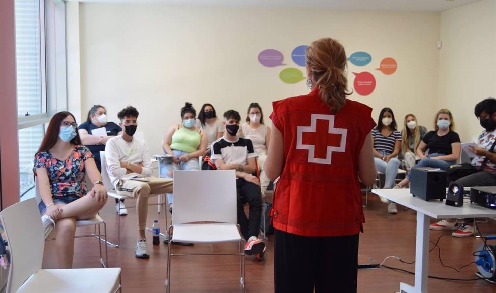 Cruz Roja recibe una donación de 36.500 euros por parte de Unespa para afectados por la pandemia