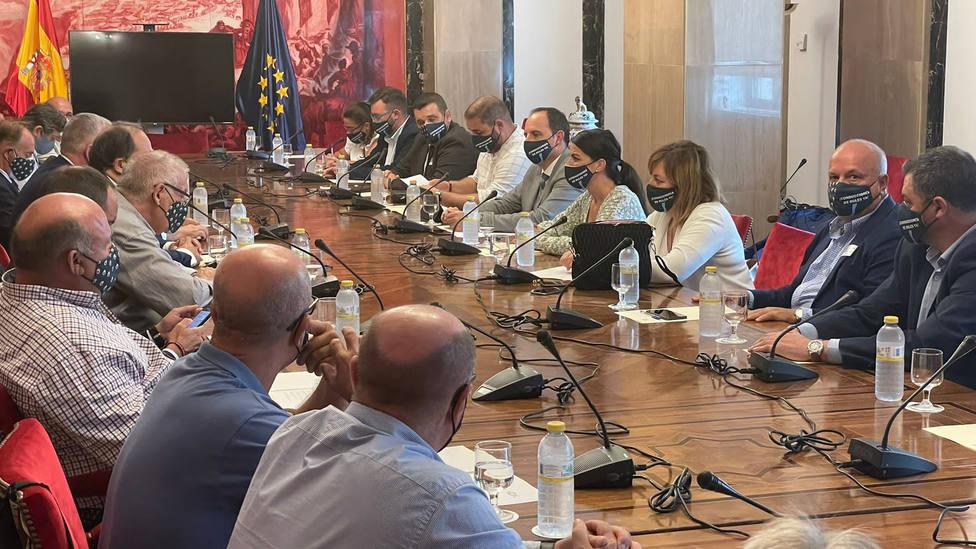 """""""La Costa de Granada clama por la finalización de las conducciones de Béznar-Rules"""", dice la diputada de VOX"""