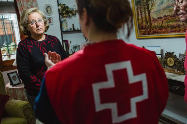 Cruz Roja lanza una campaña para promover otras formas de voluntariado y hacerlo más fácil y flexible
