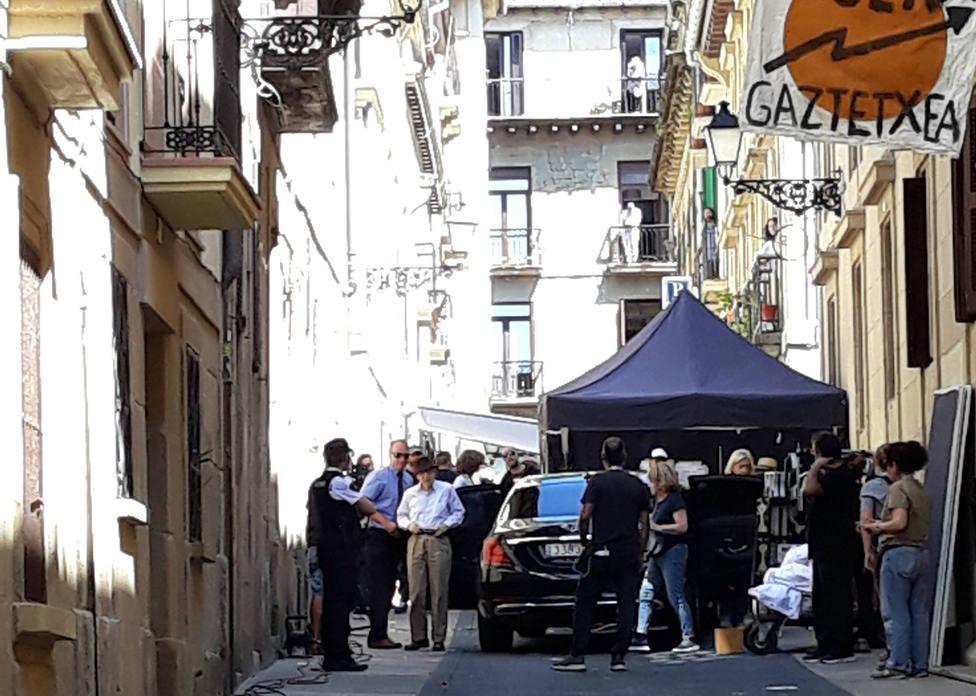 Más de medio centenar de personas protesta en San Sebastián contra el rodaje del último filme de Woody Allen