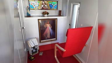 La capilla rodante de un sacerdote uruguayo para acercarse a su pueblo