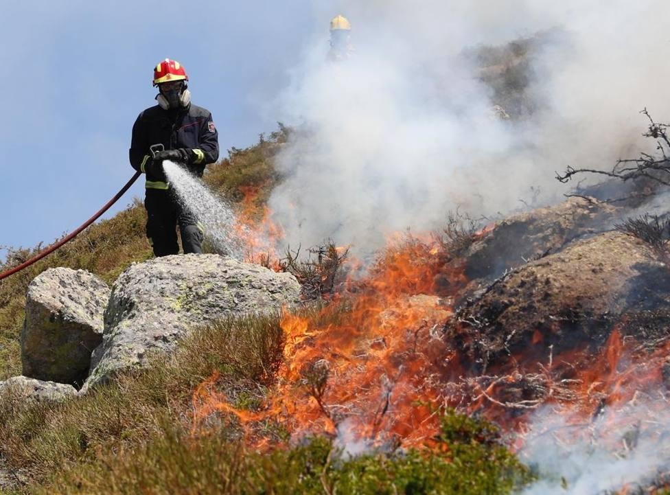 El incendio en Miraflores (Madrid) quema más de 300 hectáreas y no se descarta el factor humano