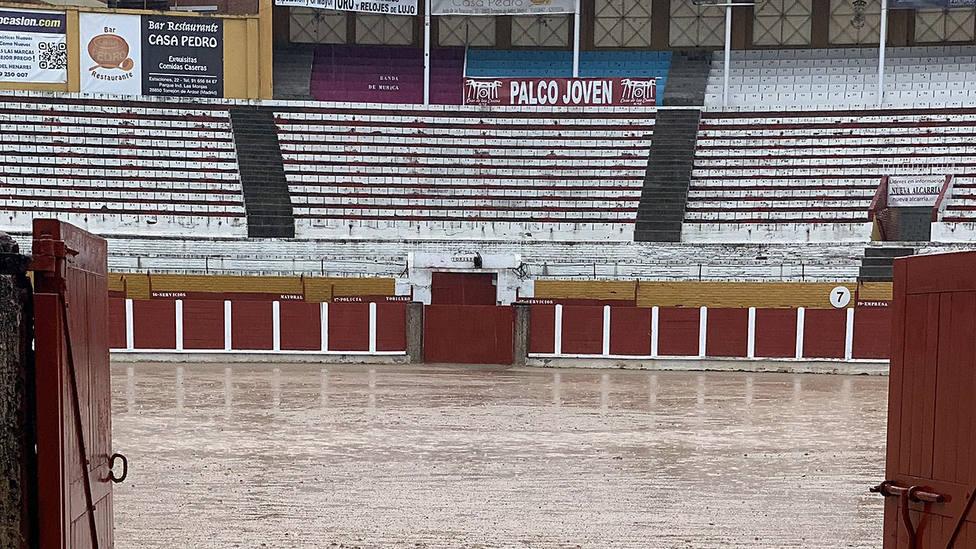 En este estado quedó el ruedo de Guadalajara tras las lluvias caídas este domingo
