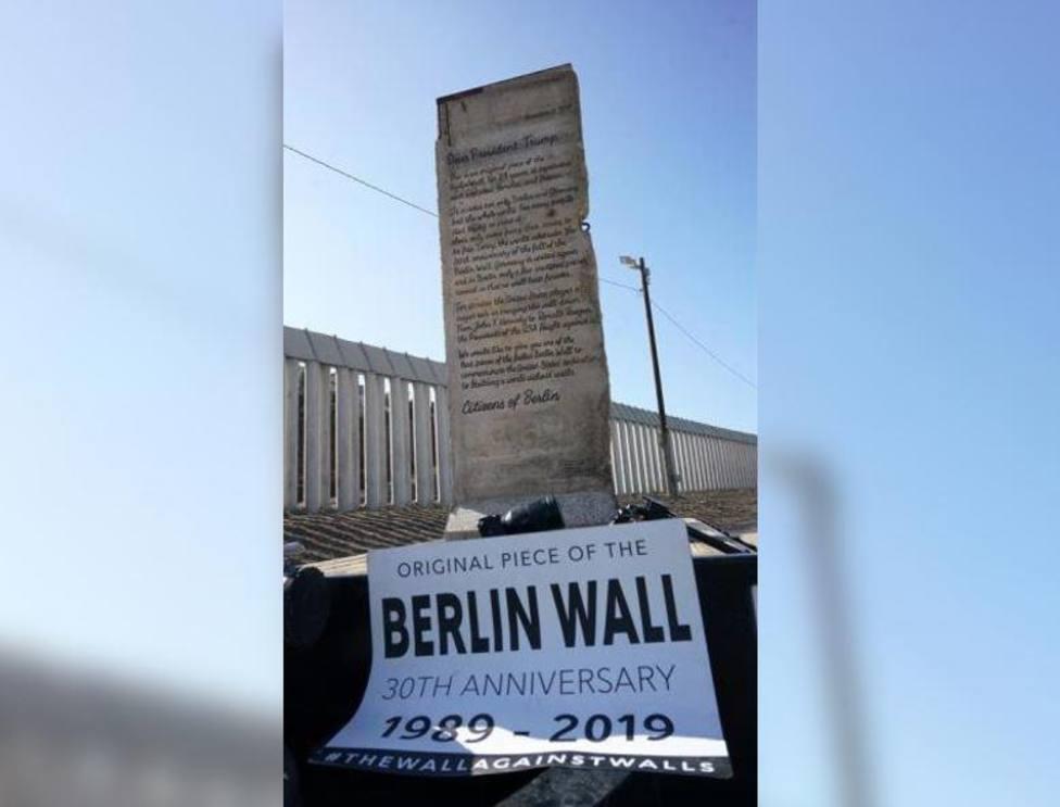 Envían a la frontera de EEUU con México un trozo del Muro de Berlín junto a una carta dirigida a Donald Trump