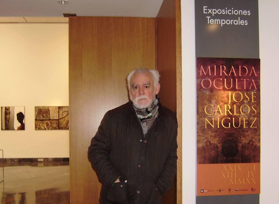 José Carlos Ñíguez guiará su exposición Mirada oculta este sábado en el Teatro Romano