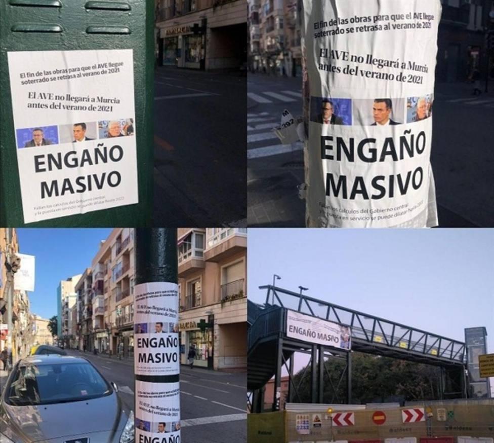 La pasarela peatonal de Santiago el Mayor amanece con carteles de engaño masivo contra PSOE