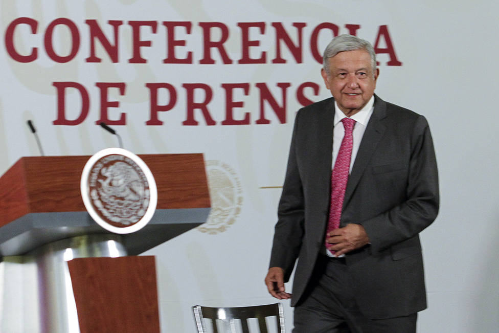 López Obrador señala que hubo corrupción en los permisos para construir una cervecera en el norte de México