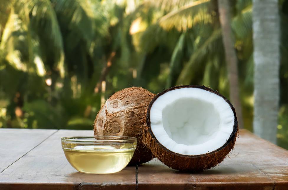Pérdida de peso y dientes más blancos, descubre los beneficios del aceite de coco