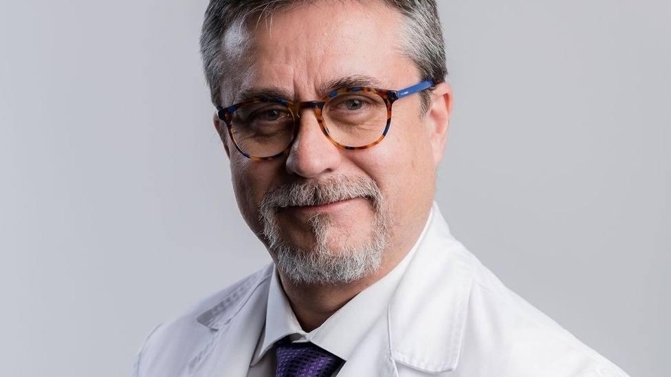 "Dr. Alfredo Corell: ""En los próximos meses aparecerán más casos de reinfección con síntomas"""