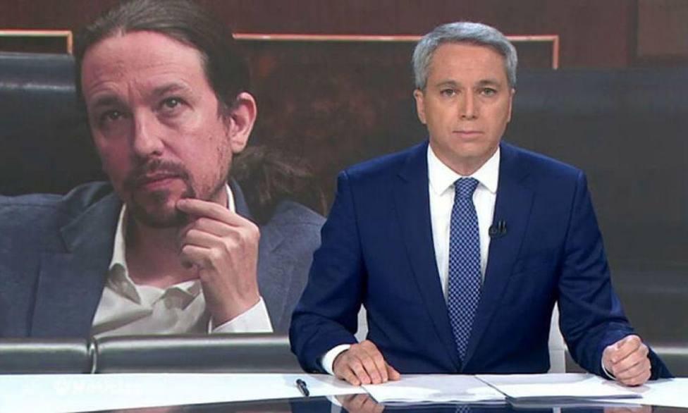 La inédita consecuencia que ha tenido para Vicente Vallés los palos a Sánchez e Iglesias en su informativo