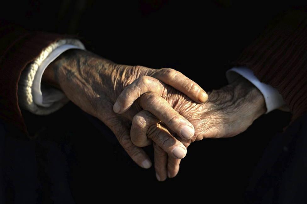 Un estudio descubre la explicación a por qué ancianos y personas con otras patologías son más vulnerables