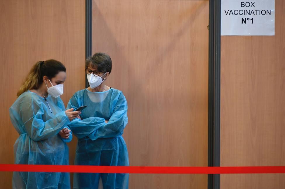 Francia notifica cerca de 20.000 contagios en el último día y vacuna a más de 50.000 personas