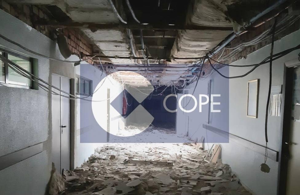 Se derrumba el techo del pasillo principal del hospital de Don Benito Villanueva de la Serena. COPE