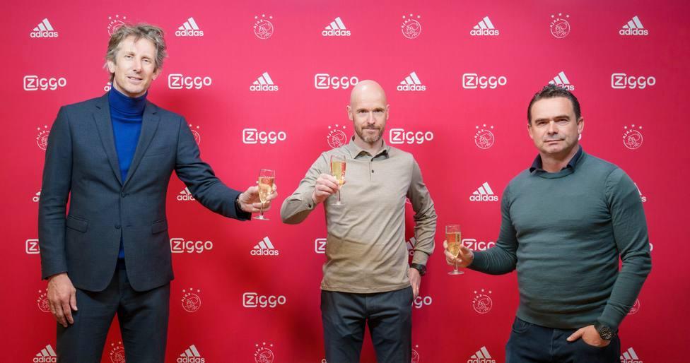 El Ajax amplía el contrato del técnico Ten Haag hasta 2023