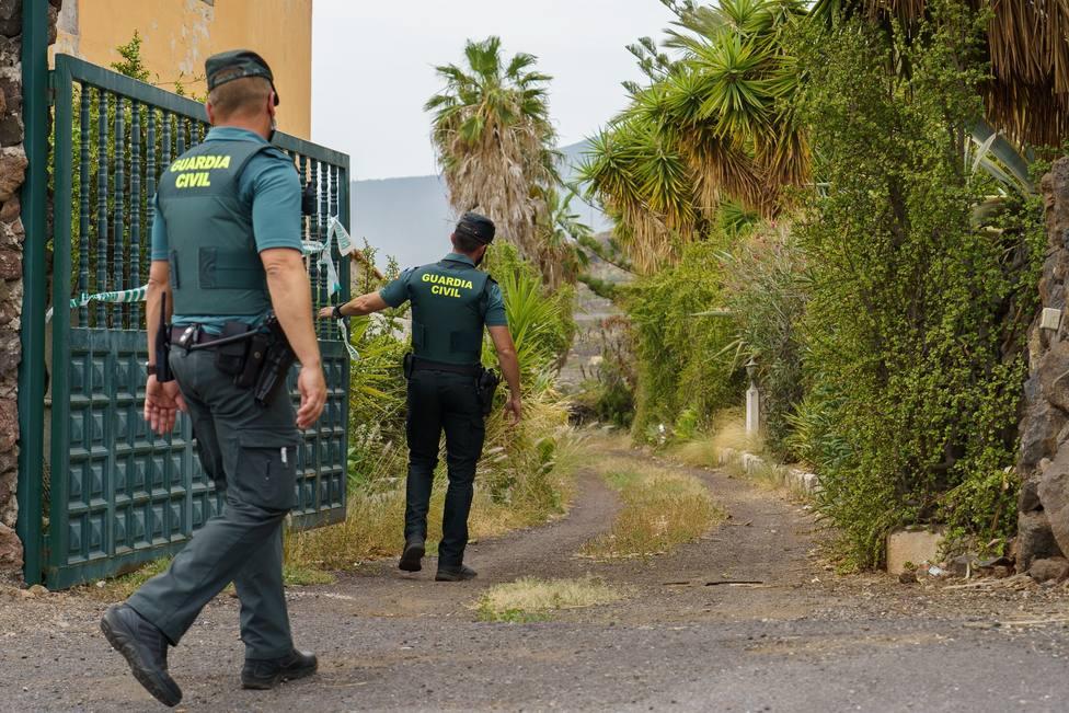La Guardia Civil registra con perros la casa del padre de las niñas desaparecidas en Tenerife