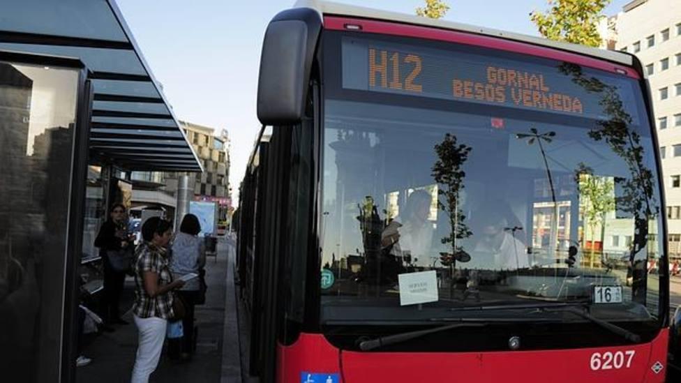 Varias líneas de bus TMB y el tranvía se verán afectadas por la media maratón de Barcelona