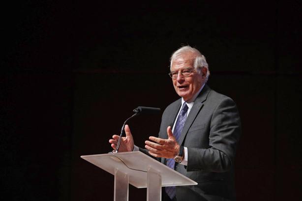 Torrent cree que Borrell debe dimitir antes de censurar al ministro de Defensa belga