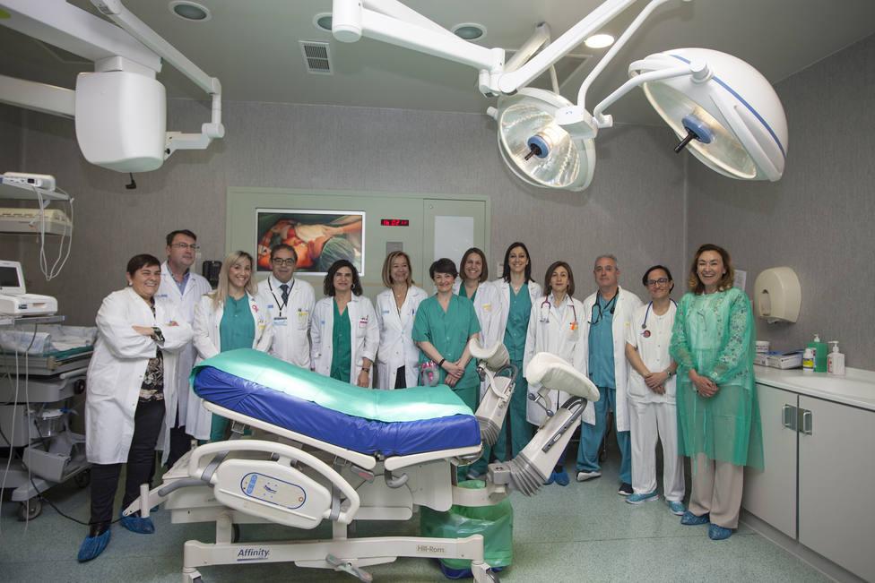 El Hospital San Pedro amplía a los partos por cesárea el programa Contacto Piel con Piel