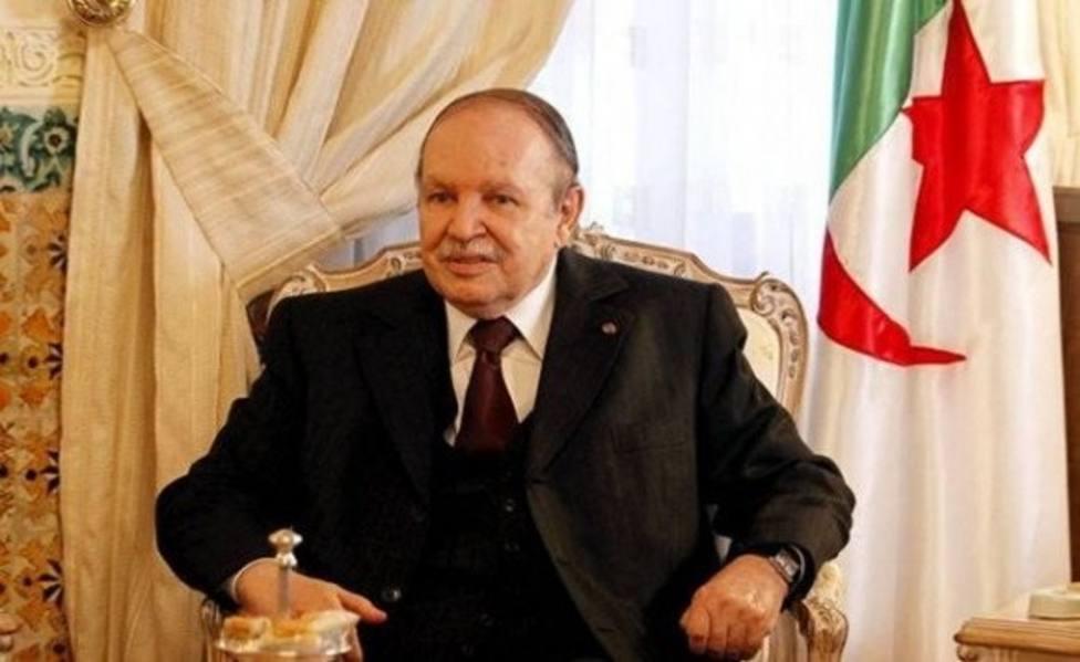 Buteflika cesa al presidente de la cadena estatal Ennahar TV