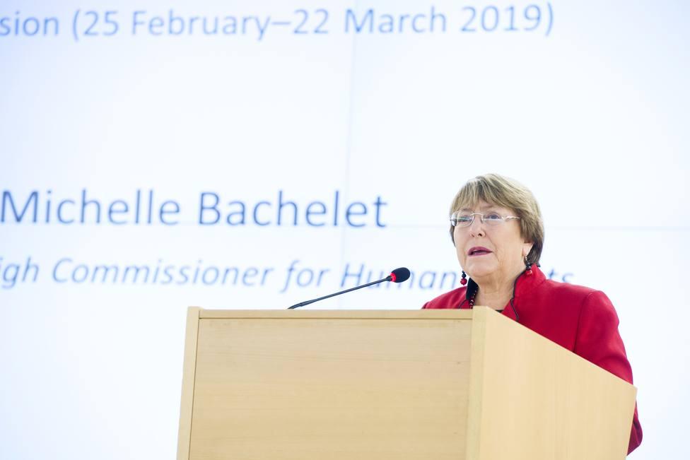 Bachelet denuncia falta de garantías en los juicios masivos de Bahréin