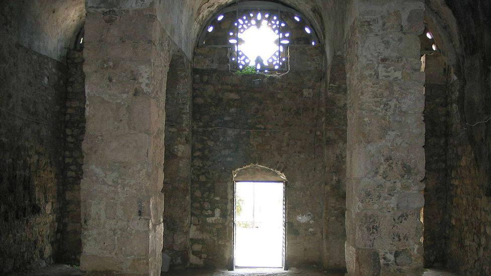 La gruta donde el Apóstol San Pedro celebró sus primeras eucaristías