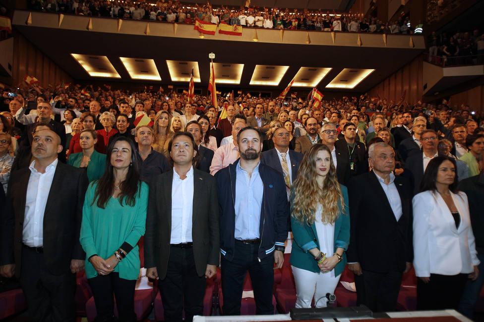 Vox respalda a su equipo en Baleares, acusado de financiación irregular, y denuncia un intento de voladura del partido