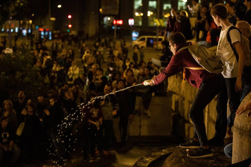 La Guardia Urbana cifra en unos 2.000 los asistentes a la concentración en plaza Espanya