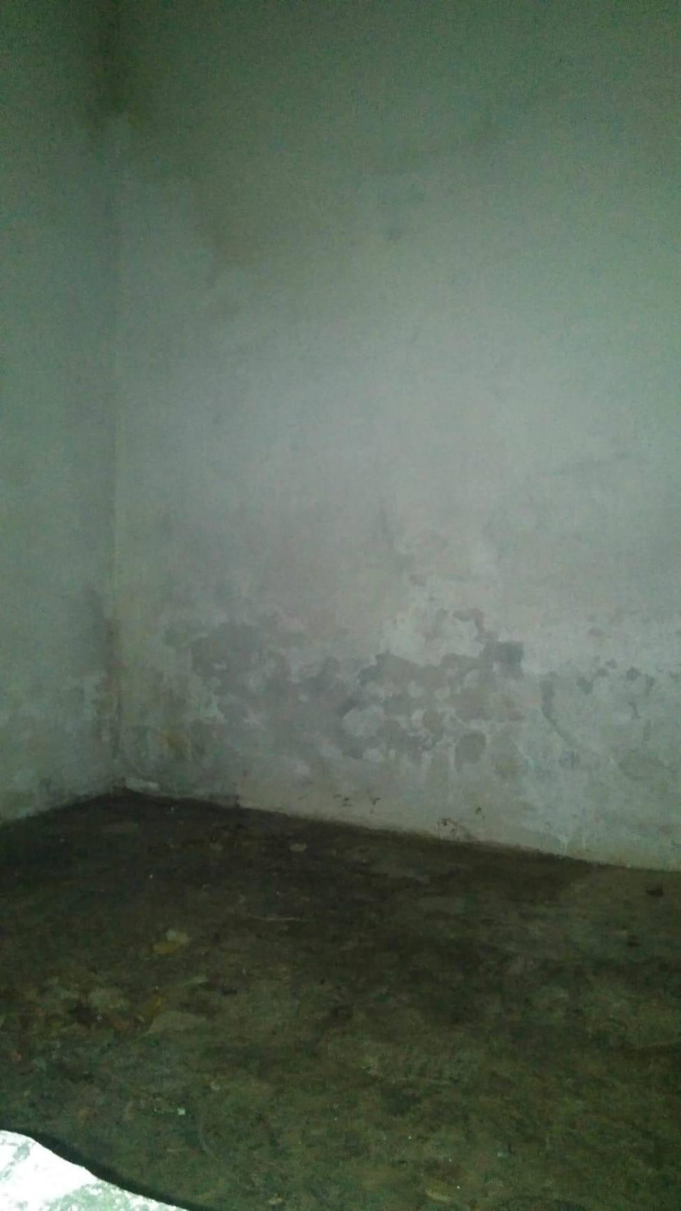Regresan para tapar las pintadas antisistema que habían hecho en una iglesia de Negueira